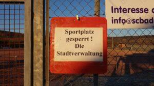 Sportplatzsperre 230218 3